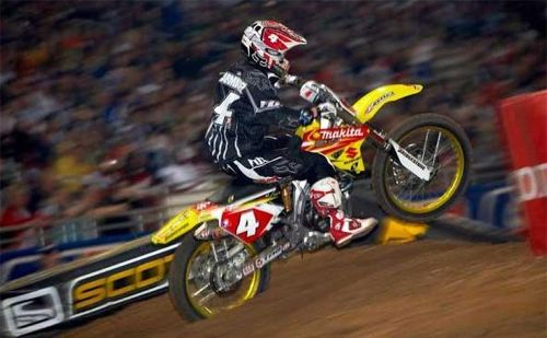 2007 - Ricky Carmichael - Suzuki - AMA Supercross - photo by Frank Hoppen