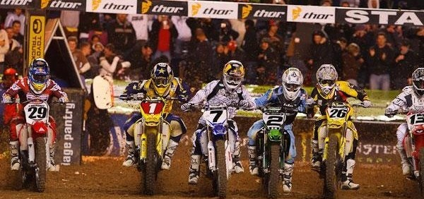 2009 - AMA Supercross - photo by Brian Robinette